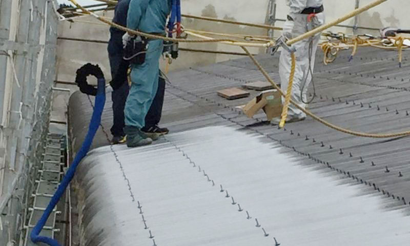スレート屋根:再生長寿命化・防護補強・アスベスト飛散防止| ポリウレアコーティングの株式会社アーマードプロダクツ